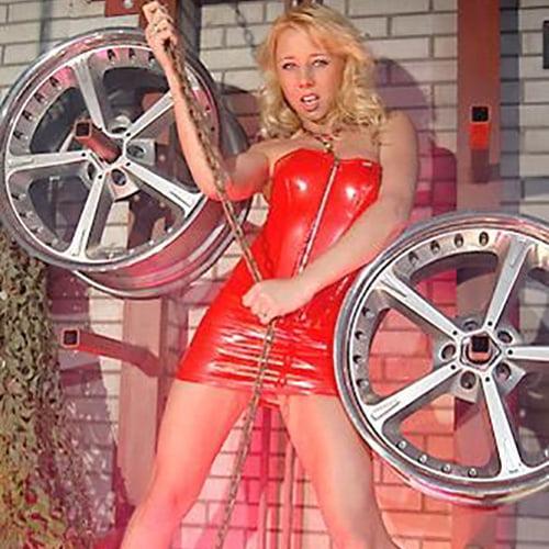 vrouwelijke stripper Lola huren thuis