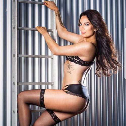 vrouwelijke stripper Jewel huren thuis